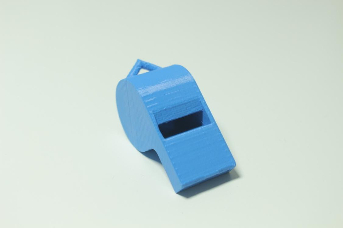 kolejne wydruki 3D - gwizdek z drukarki